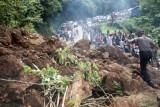 Longsor di Lubuak Paraku telah dibersihkan, lalu lintas Padang-Solok kembali lancar