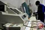 Dolar jatuh saat  kenaikan yuan mengangkat mata uang berisiko