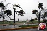 Angin kencang tak pengaruhi penerbangan di Manado