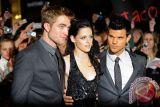 Kisah Twilight versi Edward Cullen segera hadir dalam 'Midnight Sun'