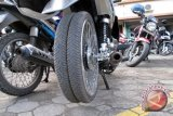 Jasa Ganti dan Tambal Ban Kendaraan Laris