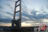 Saling Klaim Robohnya Jembatan Kukar