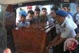 Jenazah pilot TNI-AU disemayamkan di hanggar Lanuma Adisutjipto