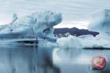 China Selamatkan Kapal Pemecah Es