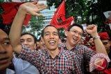 Kemenangan Jokowi-Ahok untungkan pedagang baju di Pamekasan
