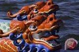 17 tewas akibat dua perahu naga terbalik