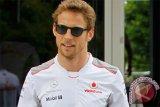 Button menangi balap virtual Legends Trophy