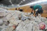 Bulog Sulteng Datangkan Kedelai Dari Surabaya