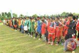 Klub-klub bola Kubu Raya siap bertarung dalam soccer Kompetition.