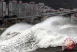 Badai topan di Korut tewaskan lima orang