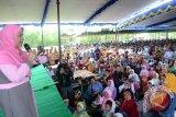 Mama Dedeh temui warga pendukung calon Gubernur Sumsel