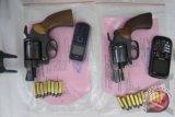 Warga Palu Kembalikan Pistol Rampasan
