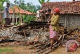 Puluhan Rumah Di Mamuju Porak-Poranda Diterjang Puting Beliung