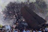 Pesawat jatuh sesaat setelah lepas landas di Kazakhstan, 12 tewas
