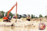 LSM: Pemerintah Diminta Beri Solusi Penghentian Penambangan Pasir