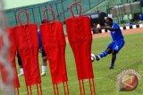 Persib bertandang  tanpa Messi dan Djumafo