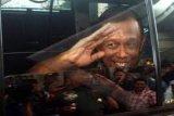 Bendera setengah tiang atas wafatnya Panglima TNI ke-16 Djoko Santoso