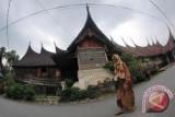 Lestarikan Simbol Mingkabau, Pemkab Bangun Rumah Gadang