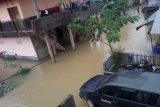 Kota Kendari Lumpuh Akibat Tergenang Air