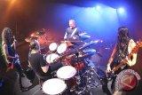 Pernak-Pernik Metallica Laku Keras