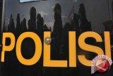 Polisi Banggai Bantu Tangani Korban Puting Beliung