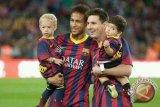 Neymar Adu Balap Mobil Lawan Ken Block