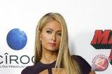 Paris Hilton ucapkan selamat kepada Syahrini
