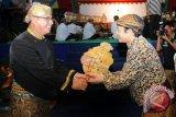 Dalang Ki Purbo Asmoro hibur masyarakat Desa Mulyo Rejo