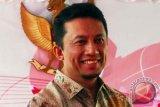 Tifatul Uji Kecepatan Internet Pusat Media KTT APEC