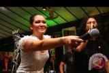 Melanie Subono bikin tato baru bergambar Burung Garuda
