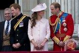 Jangan kami kirimi hadiah, berikan saja untuk amal, kata Pangeran Harry