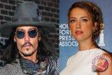 Johnny Depp dan Amber Heard tunangan