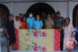 Korem-BCA bantu perlengkapan tidur korban banjir