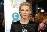 Cate Blanchett sabet trofi Best Actress di BAFTA 2014