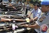 Polisi selidiki temuan senjata