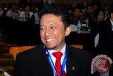 Tifatul Berpantun Koalisi di Hadapan Presiden SBY