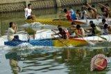 Dentuman gendang semarakkan Festival Perahu Naga