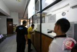 Wawali Manado ingatkan masyarakat laporkan calo perizinan