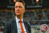 Van Gaal Sewot Dikritik Hodgson Soal Shaw