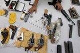Kriminolog: polisi perlu intensifkan razia senjata api
