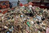 Pekanbaru terjunkan 200 personel Satgas pemungut retribusi sampah