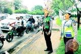 Polantas Kalteng Berpakaian Adat Saat Operasi Simpatik