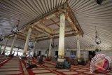 Masjid Gedhe Kauman Yogyakarta tetap menggelar Shalat Jumat