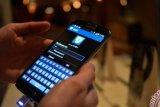 Demi Smartphone Android, BlackBerry Dan Samsung