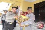 Polres Kobar Berbagi Bersama Purnawirawan dan Dhuafa