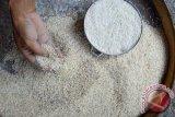 DPRD OKU sesalkan beras bantuan tak layak konsumsi