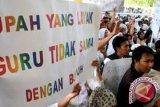 Pemerintah diminta perjuangkan kesejahteraan guru honorer