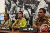 Menteri Yohana sosialisasikan hukuman kebiri di Papua