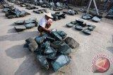 Tambang giok Myanmar longsor