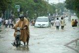 10 kantor pemerintahan Pamekasan tergenangi banjir